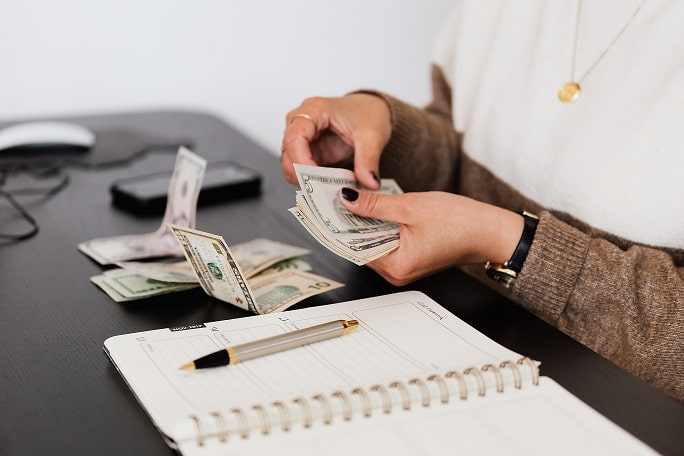 contando-billetes