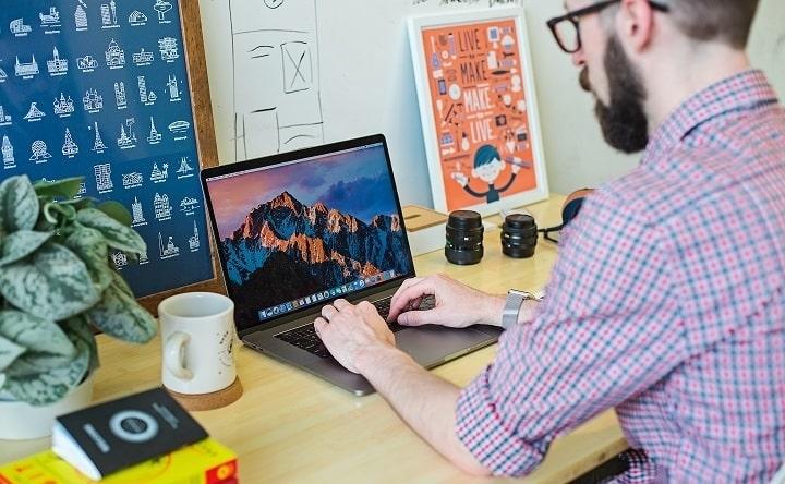 escribiendo-laptop